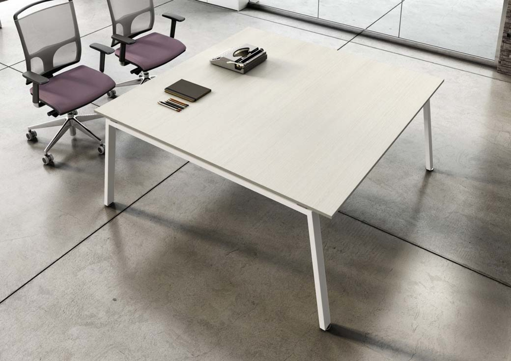 s3-desk-operative.jpg